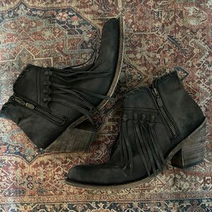Liberty Black fringed bootie